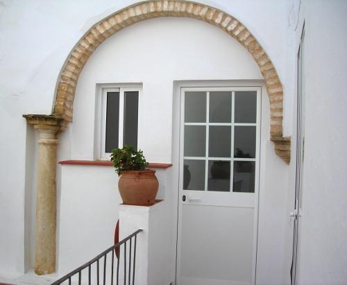 Columna y arco descubiertos.- Casa Rural Rincón de las Nieves